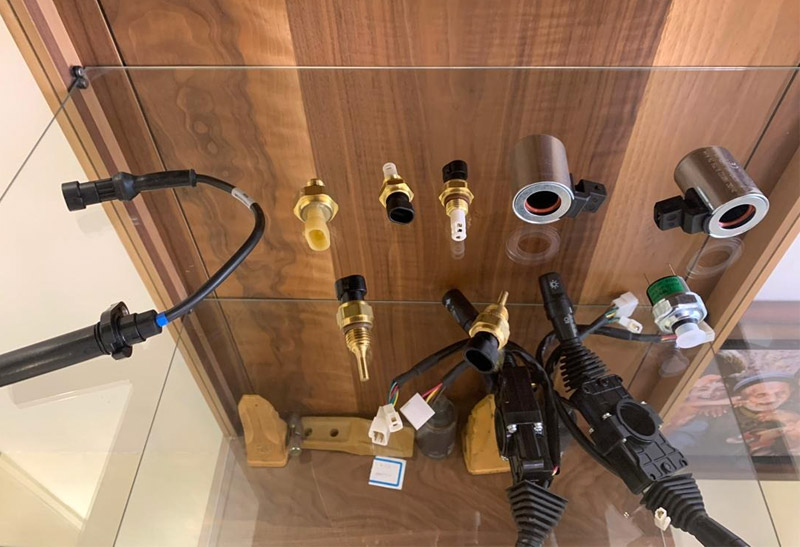 فروش سنسورهای اصلی گیربکس های دانا کلارک